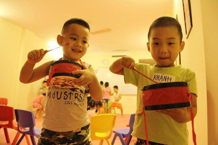 Đạo cụ YES! Kids Tiếng Anh trẻ em qua vận động và trò chơi