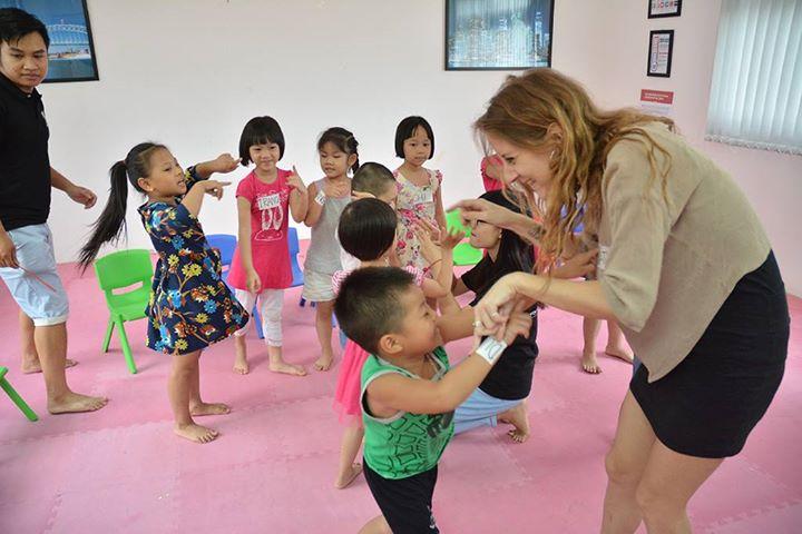 YES! Kids Tiếng Anh trẻ em qua vận động và trò chơi