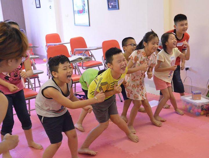 Cười tươi YES! Kids Tiếng Anh trẻ em qua vận động và trò chơi