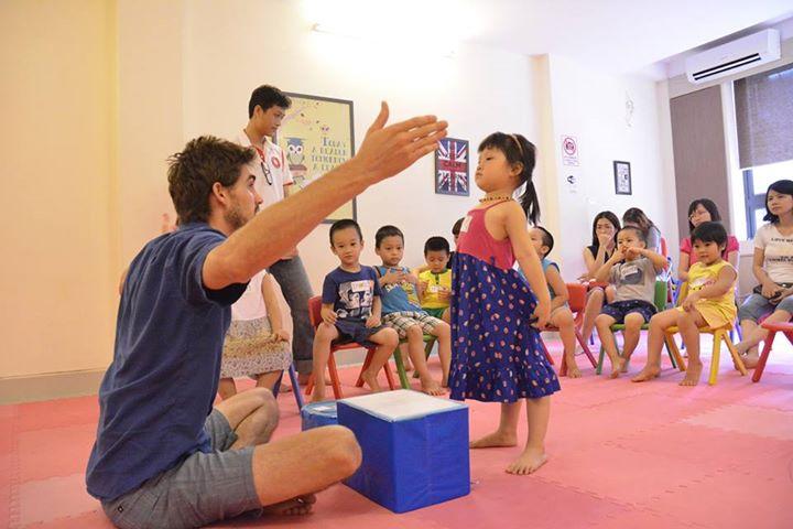 Tự tin YES! Kids Tiếng Anh trẻ em qua vận động và trò chơi