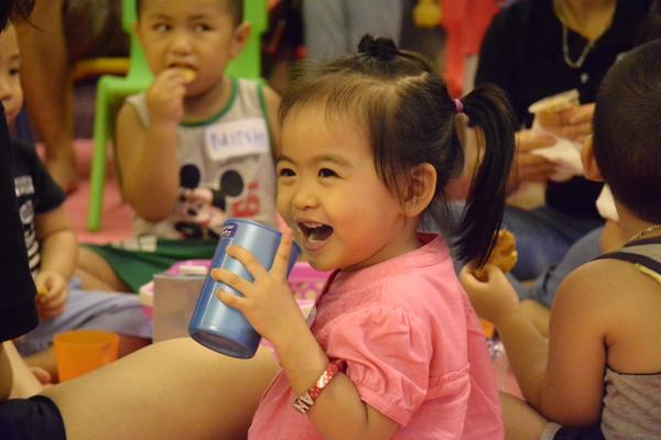 Ăn giữa giờ YES! Kids Tiếng Anh trẻ em qua vận động và trò chơi