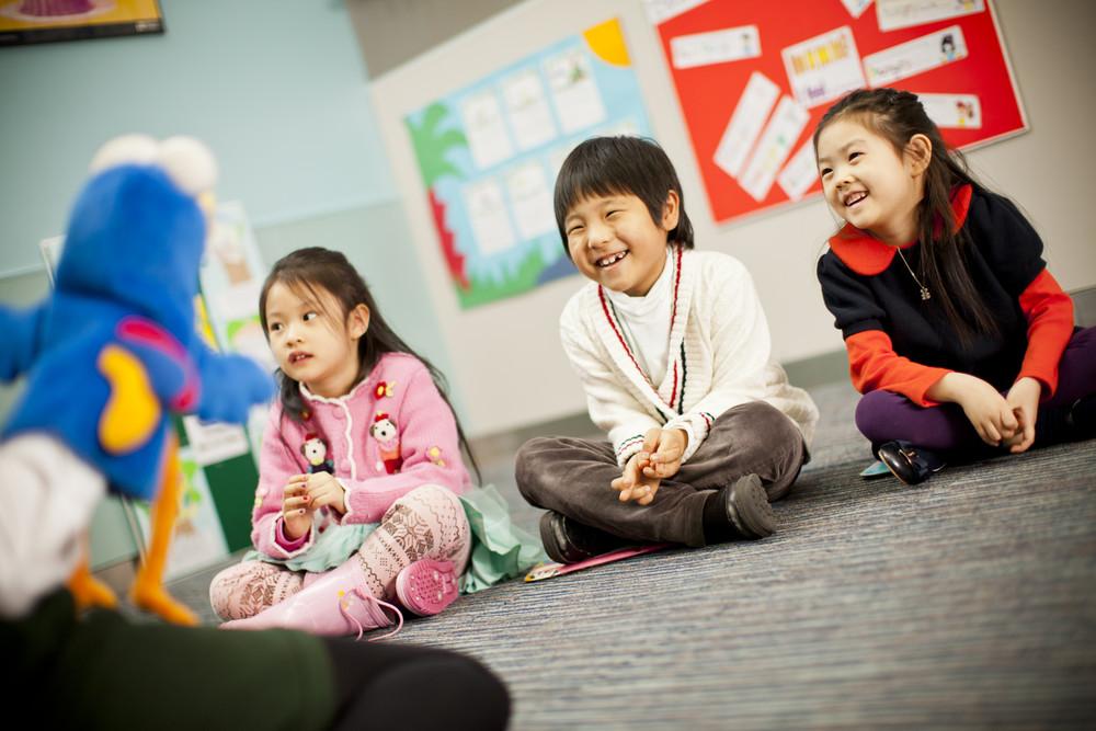 Kết quả hình ảnh cho học trong khi chơi của trẻ em