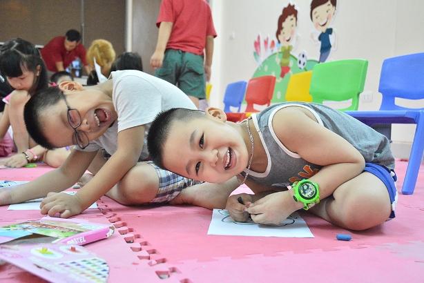 Tiếng Anh trẻ em qua vận động và trò chơi YES! Kids